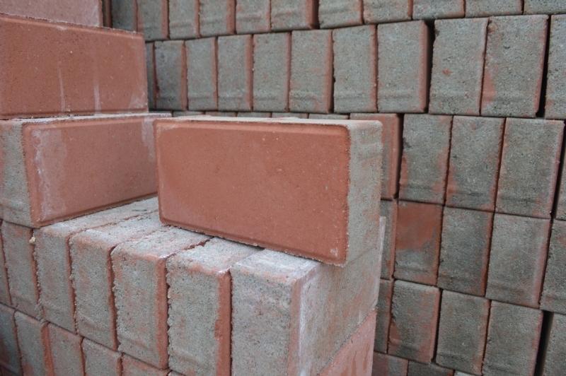 红色面包水砖