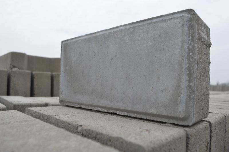 内蒙古水泥制品灰色面包水砖